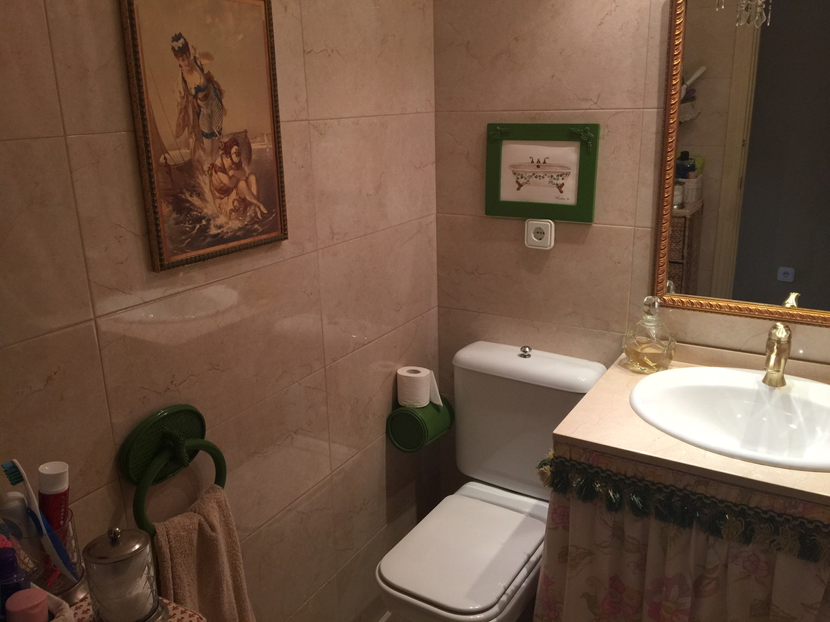 Apartment in Calahonda R2742623 10