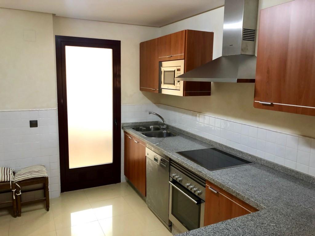 Ground Floor Apartment for sale in La Mairena, Marbella East