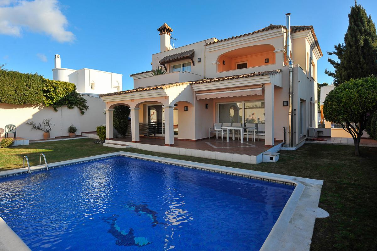 Detached House - Nueva Andalucía