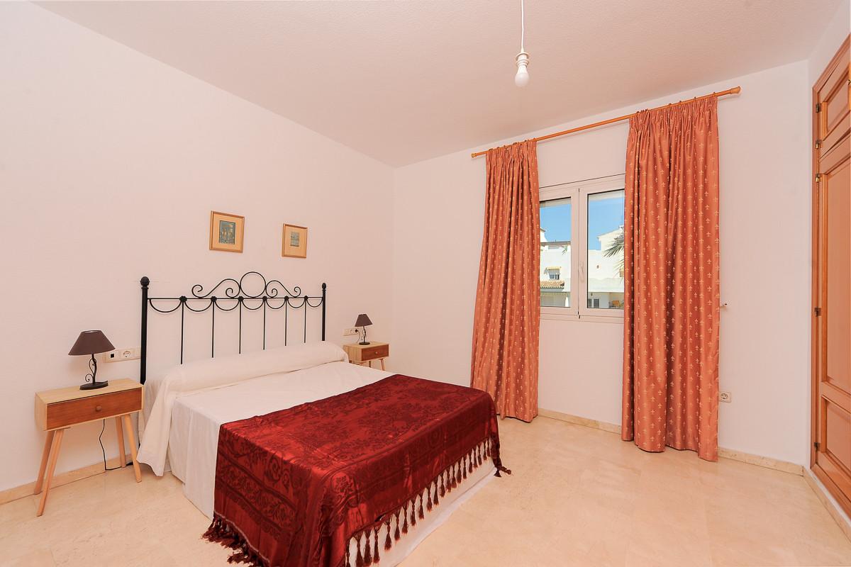 Apartamento con 4 Dormitorios en Venta Nagüeles