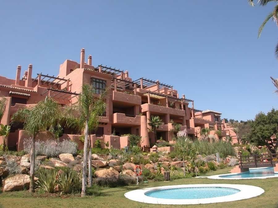 Penthouse for sale in Elviria, Marbella East