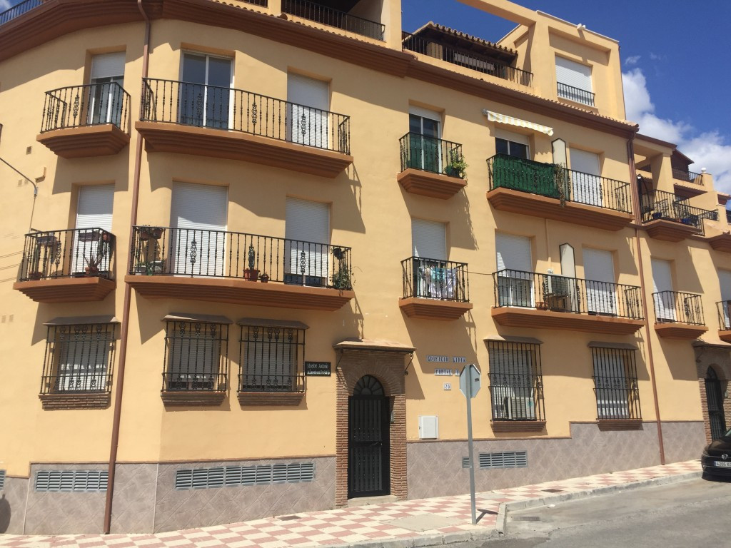 Originally listed for 159,000€, recently reduced to 145,000€. Fantastic 3 bedroom apartment that we ,Spain