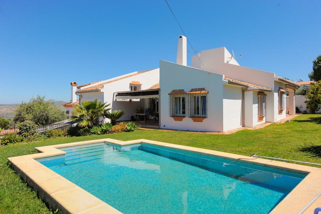 House in Alhaurín el Grande R3400369 1
