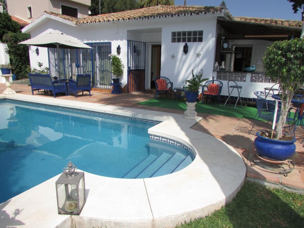Detached Villa for sale in Marbella R2238992