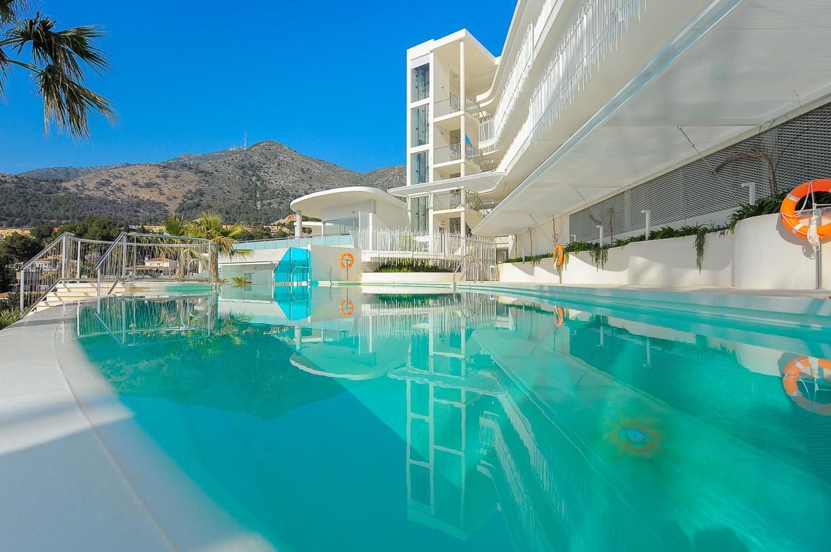 Apartment Middle Floor Benalmadena Málaga Costa del Sol R3209623