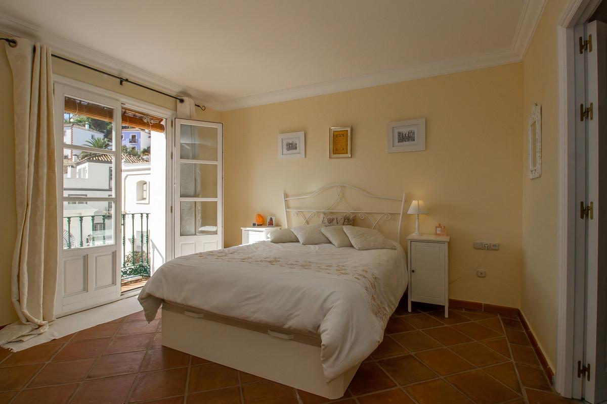 Unifamiliar con 2 Dormitorios en Venta La Heredia