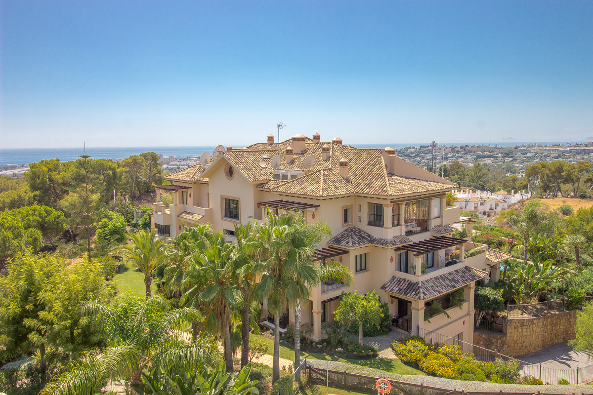 A luxurious and very spacious penthouse with 2 grand en-suite bedrooms. This duplex penthouse has pa,Spain