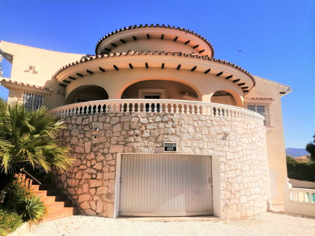 Unique and charming villa with all living area situated on one level.  The villa consists of a livin,Spain