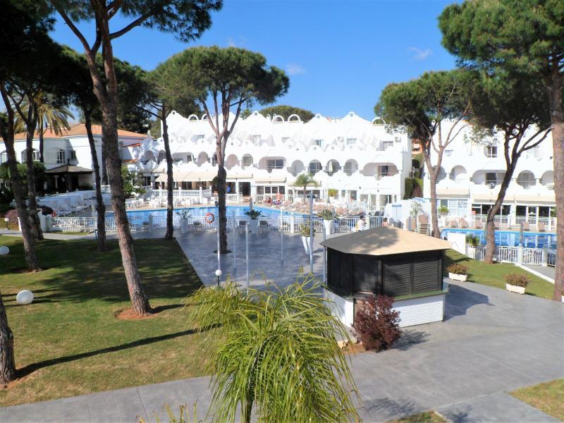 Duplex property in Vime, La Reserva de Marbella, with central location.  The property consists of 2 ,Spain