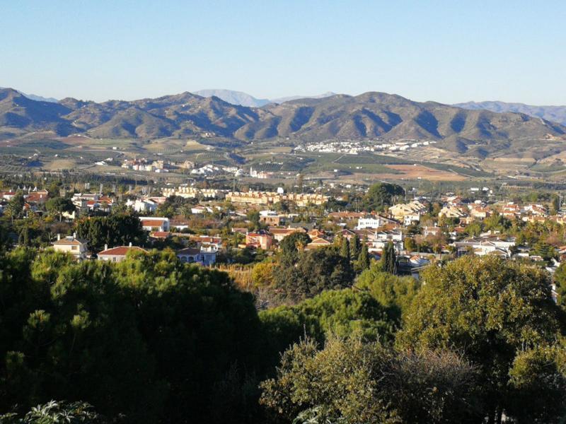 Double plot in Alhaurin de la Torre with fantastic views for sale.  It is possible to built a villa ,Spain