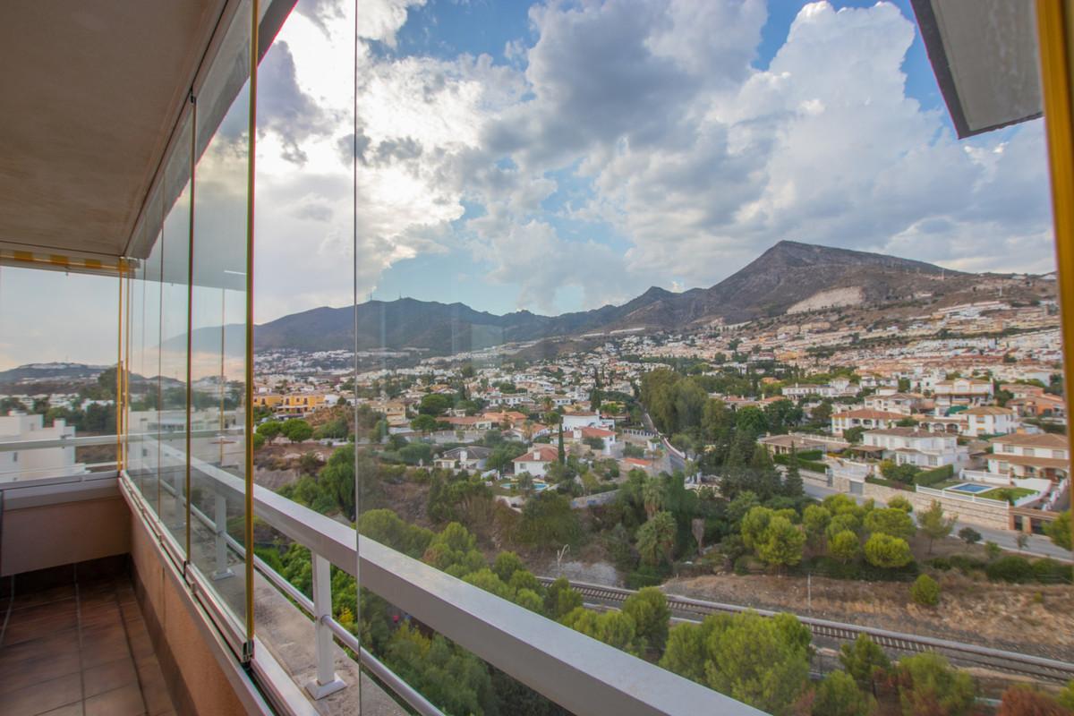 PRICE NEGOTIABLE!!  Extraordinary duplex penthouse in Bellavista, a quiet and residential urbanizati,Spain