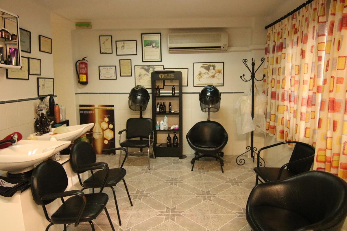 3 Bedroom Middle Floor Apartment For Sale Alhaurín el Grande, Costa del Sol - HP3785656