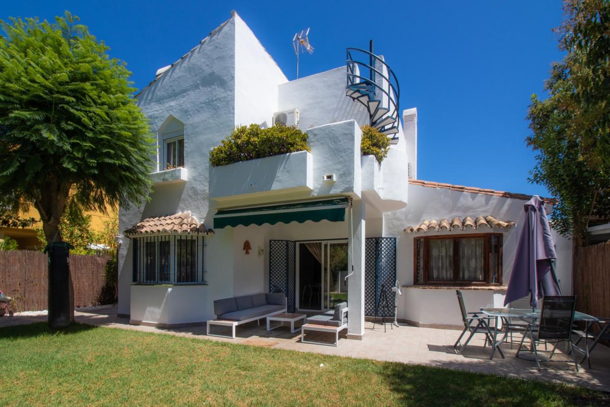 5 bedroom villa for sale atalaya