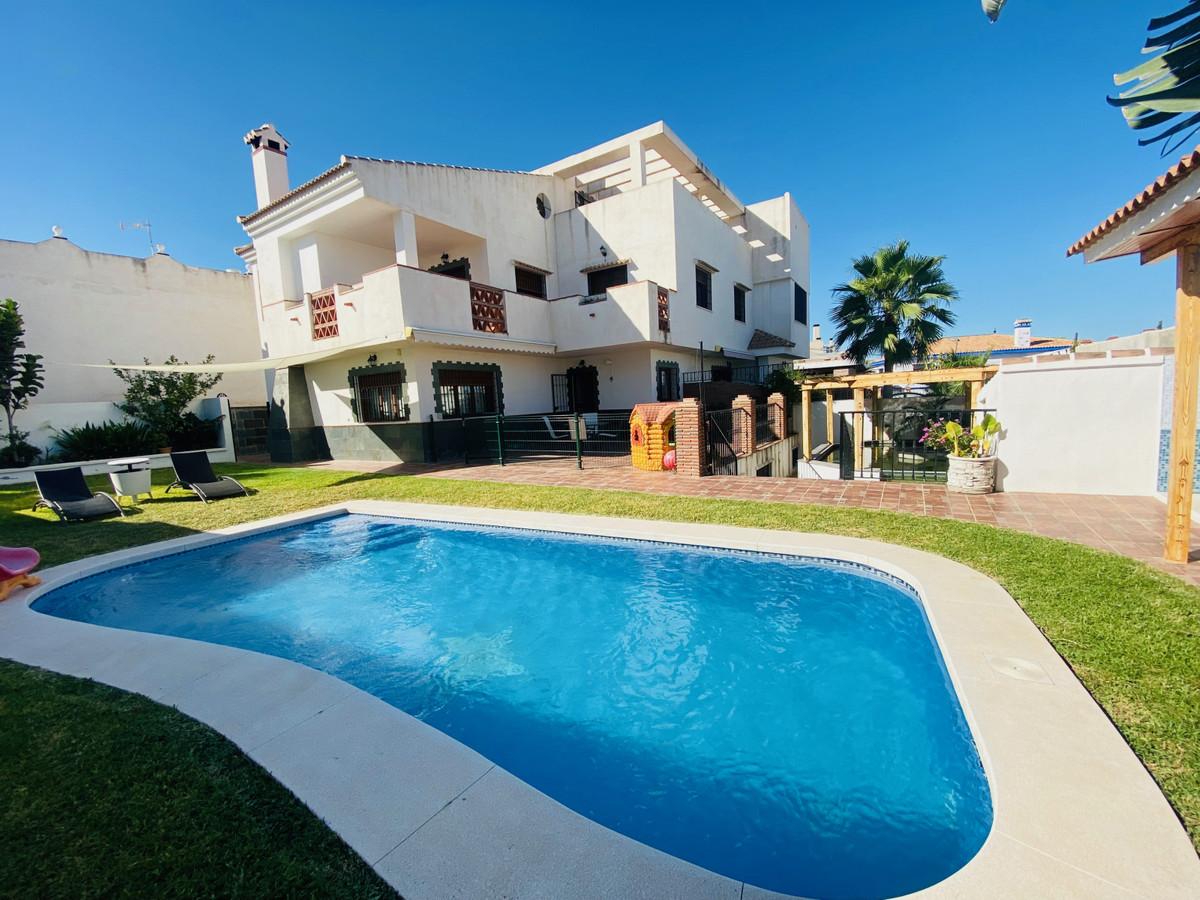 Villa  Independiente en alquiler  en Torremolinos