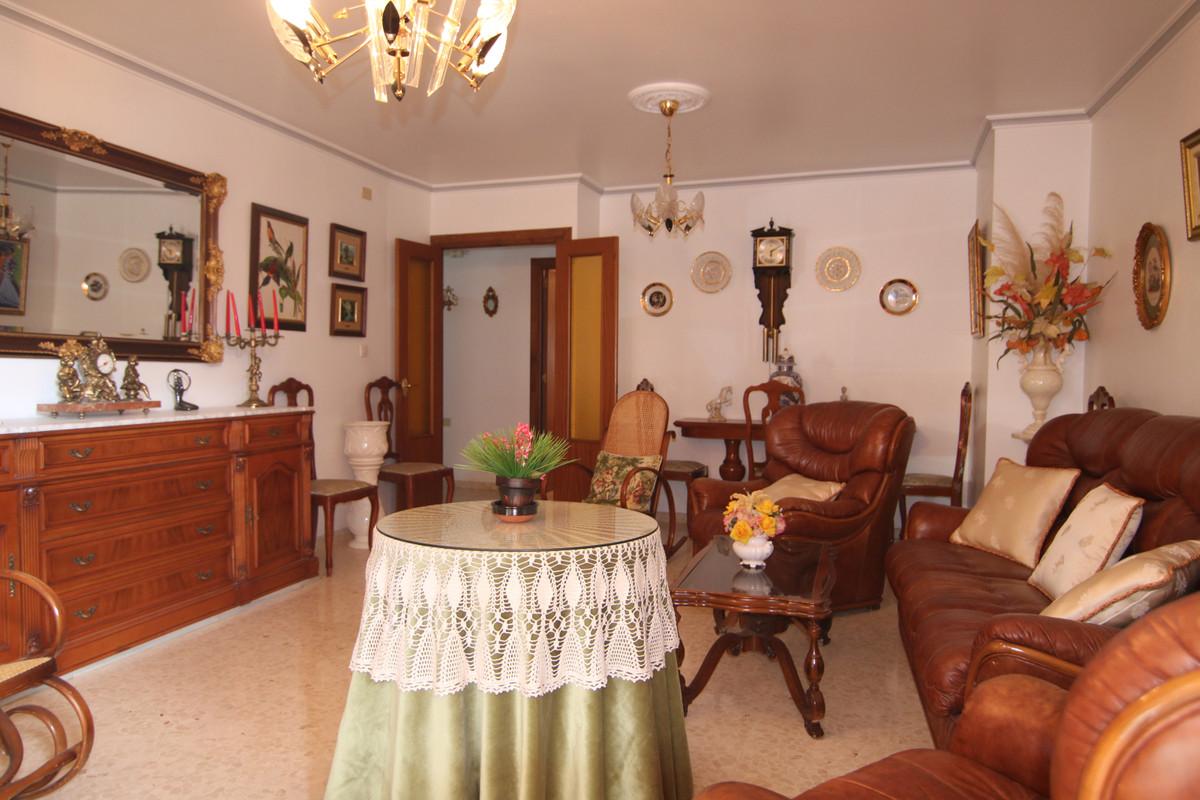 Apartamento  Planta Baja en venta   en Coín