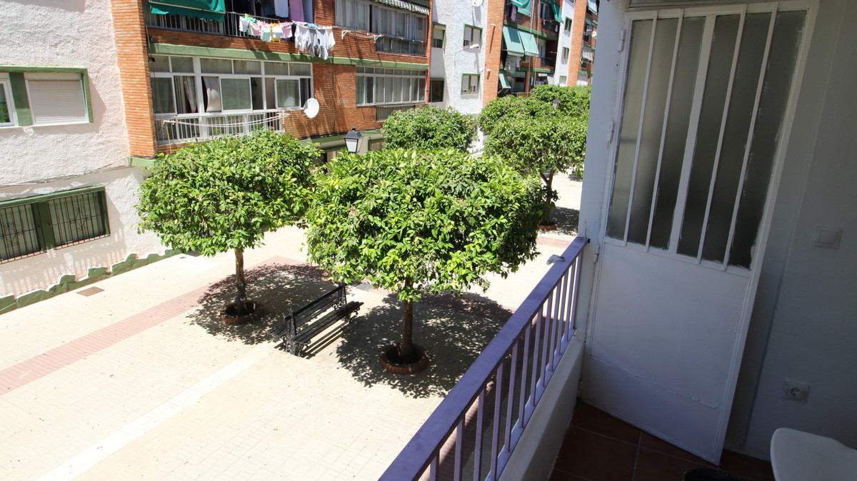 3 Bedroom Middle Floor Apartment For Sale Marbella, Costa del Sol - HP3852520
