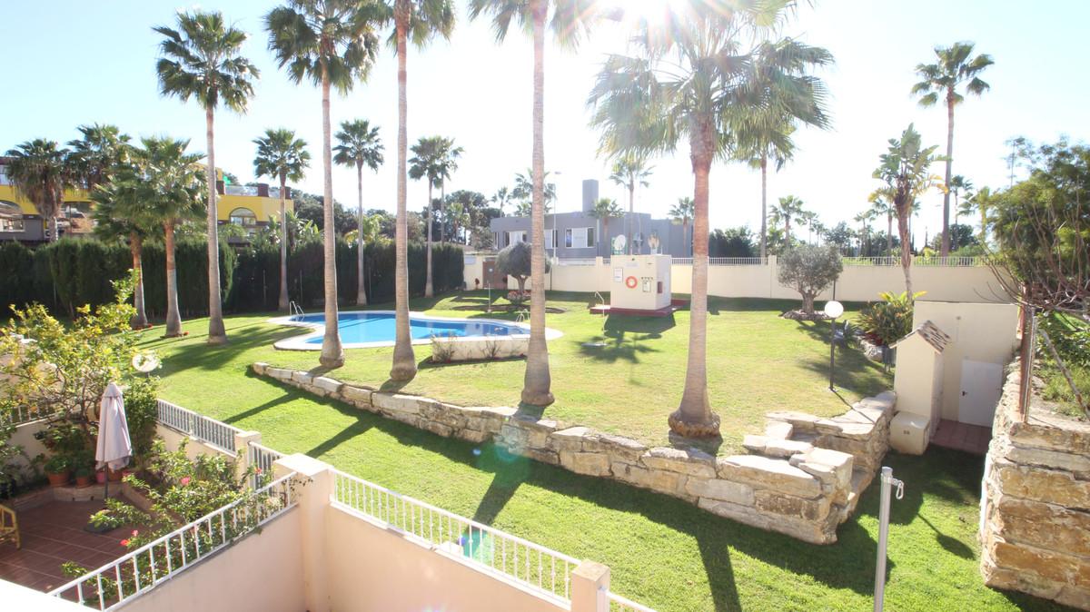 Rijhuis te koop in Marbella R3778372