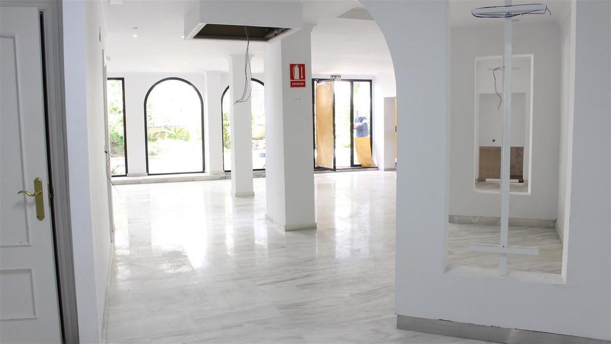 Kommersielle Lokaler Til salgs i Marbella R3073315