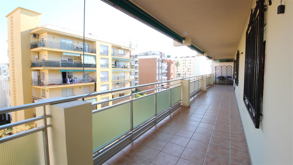 Magnificent family apartment near the sea and with side views to the beach, in one of the best locat,Spain