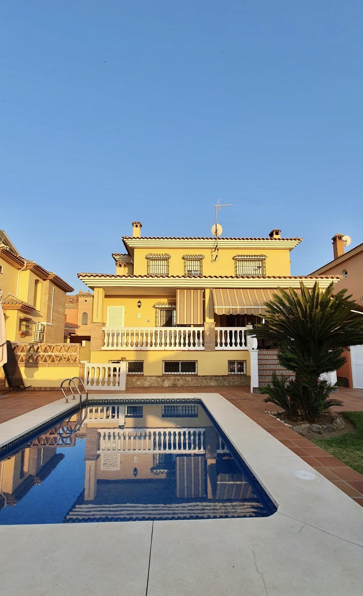 House in Alhaurín de la Torre R3740638 1