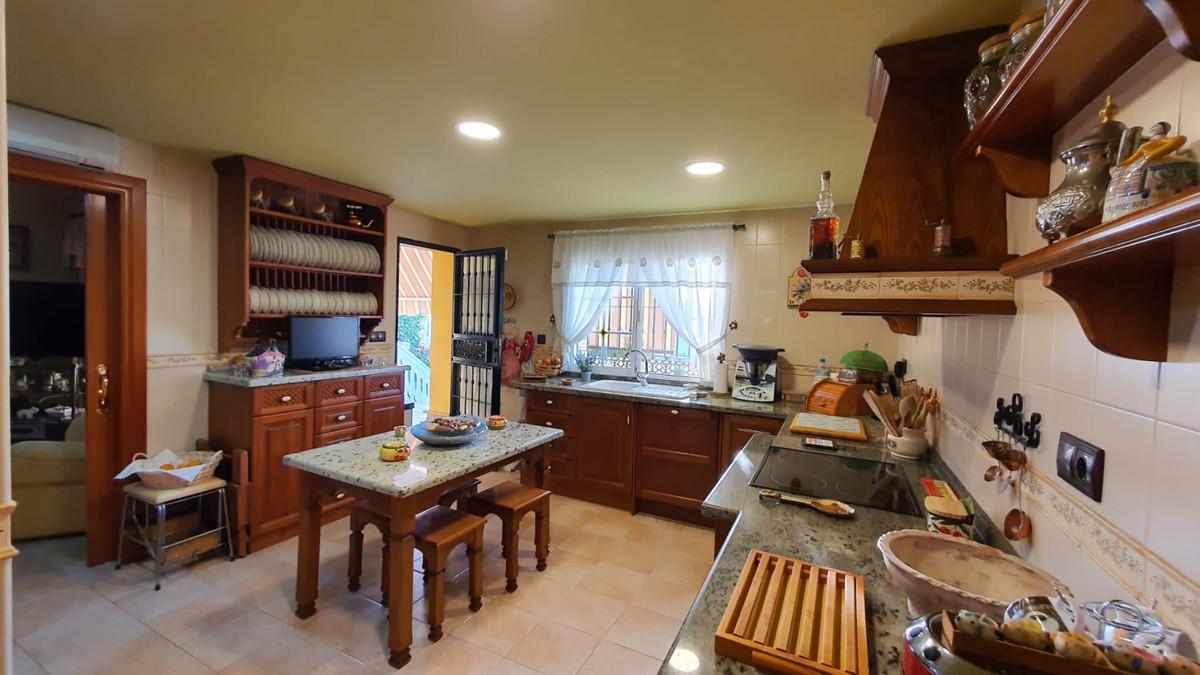House in Alhaurín de la Torre R3740638 10