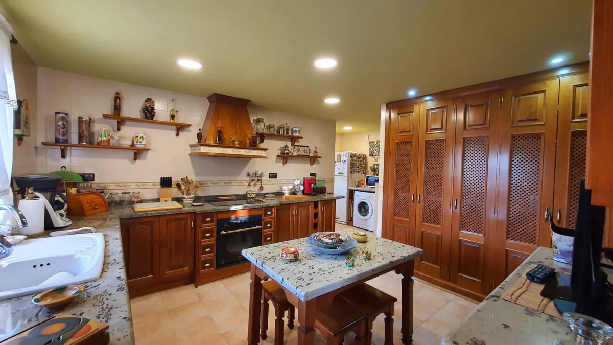 House in Alhaurín de la Torre R3740638 13