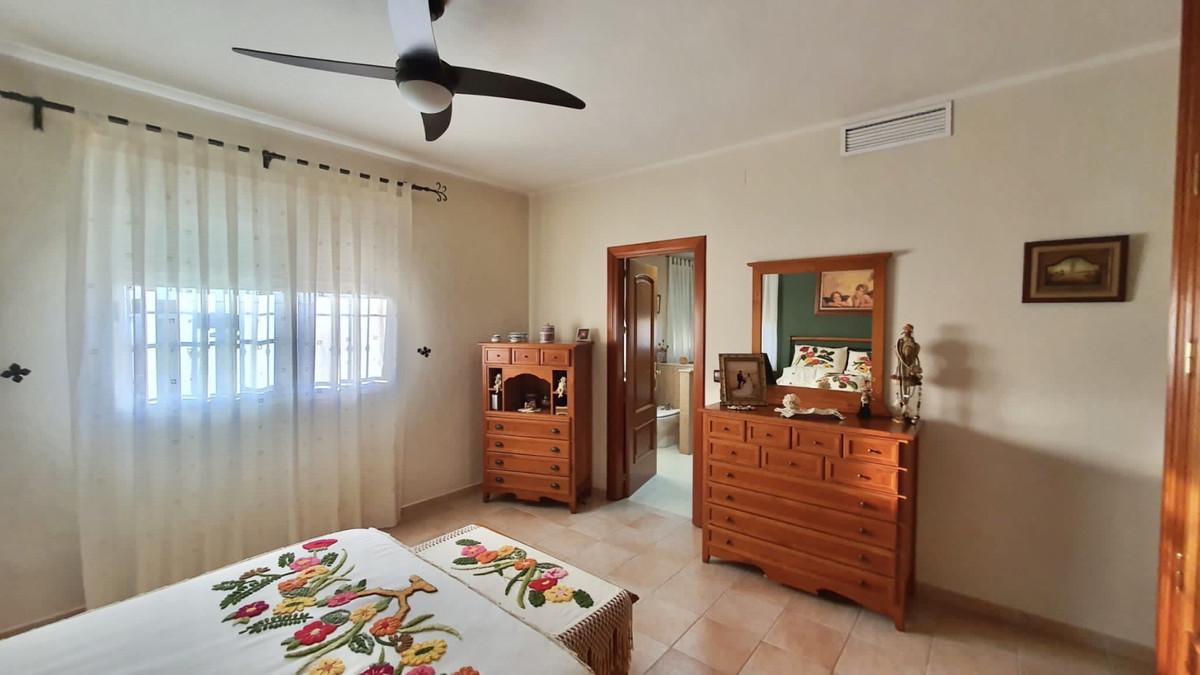 House in Alhaurín de la Torre R3740638 6