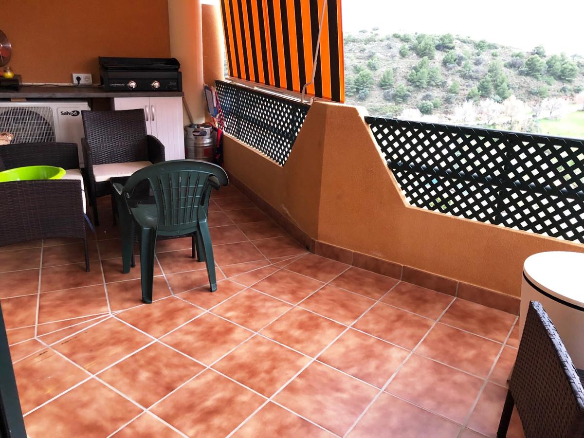 Top Floor Apartment in Los Pacos R3596479