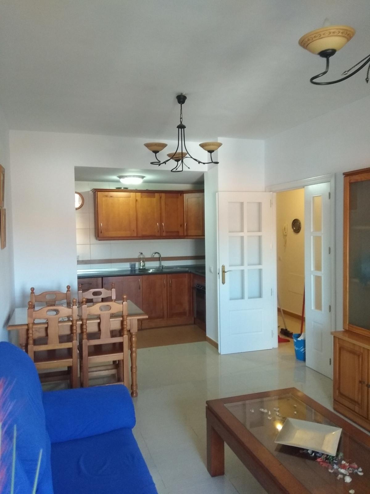 Middle Floor Apartment, Fuengirola, Costa del Sol. 2 Bedrooms, 2 Bathrooms, Built 87 m², Terrace 10 ,Spain