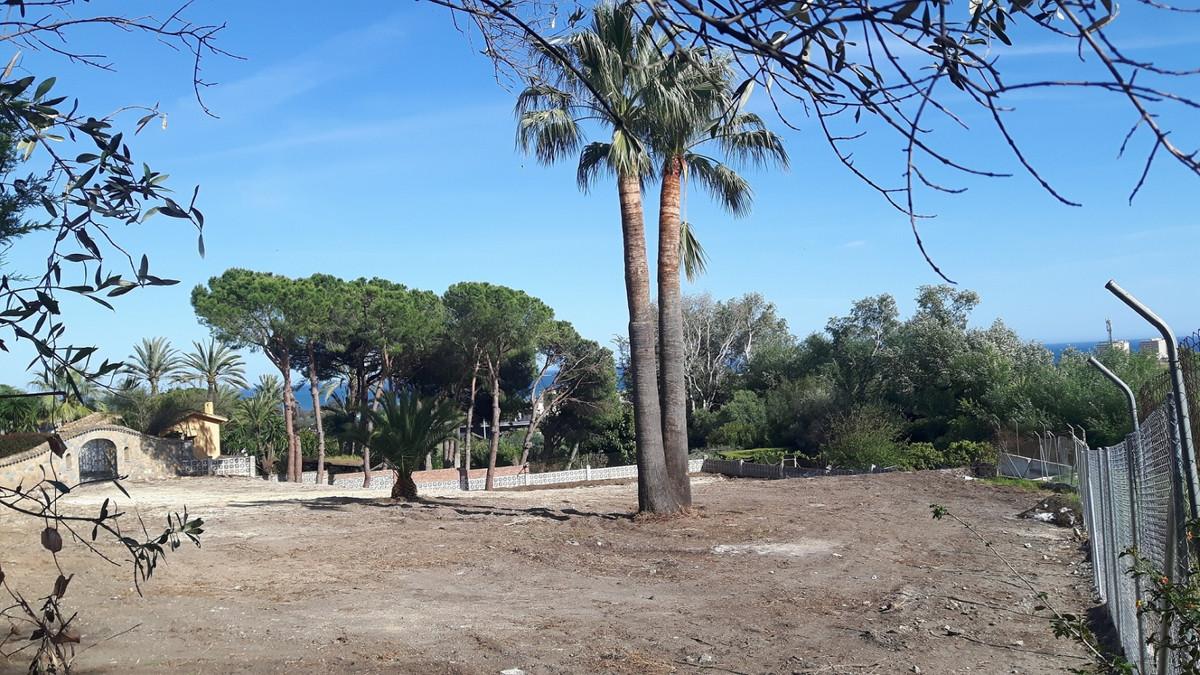 2.137m2 Building Plot in the El Olivar Urbanization (one of the most prestigious in the population) ,Spain