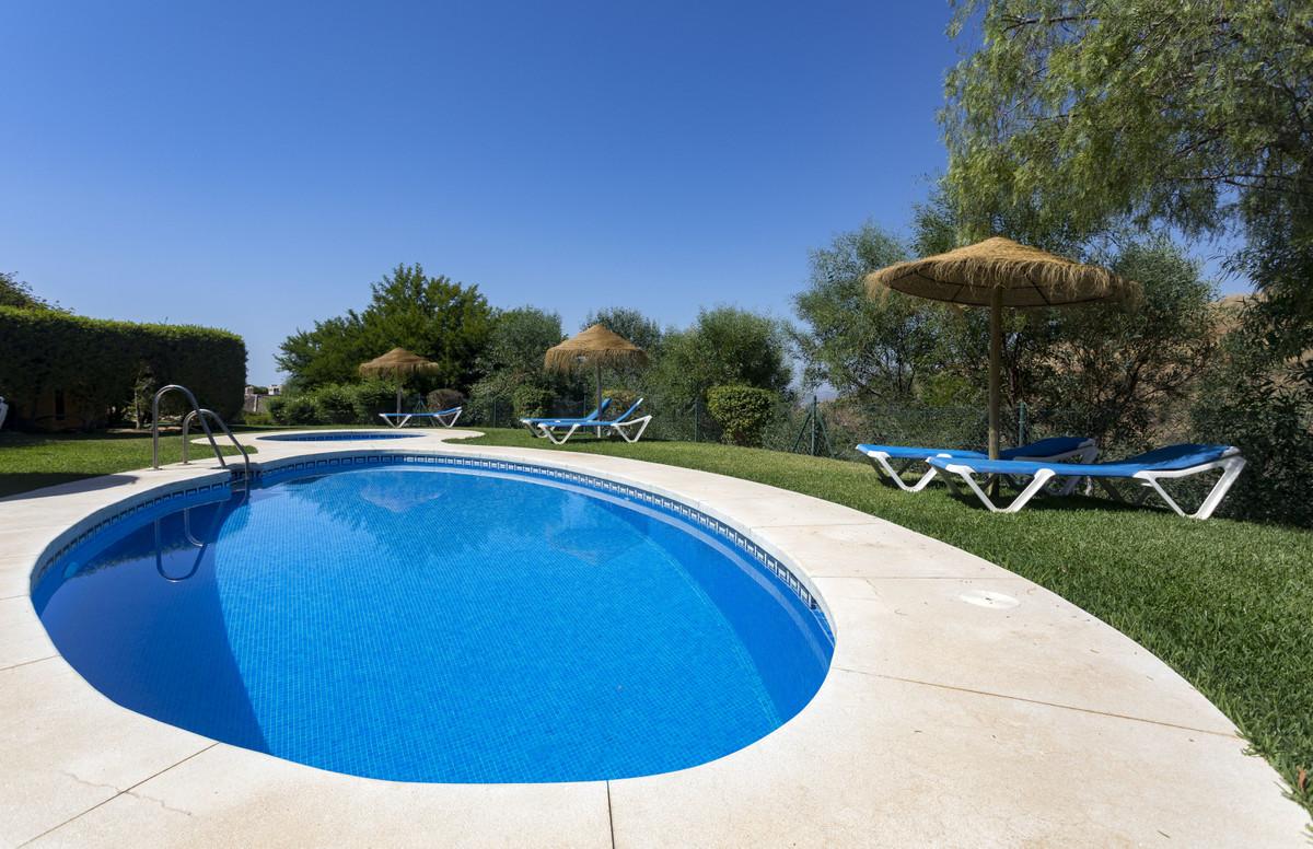 Townhouse Semi Detached Fuengirola Málaga Costa del Sol R3660221 2
