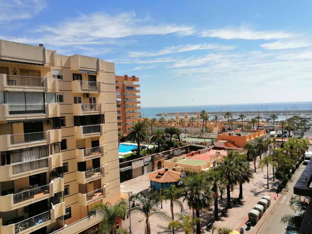 FUENGIROLA, 1st line beach. Study located in the Hotel Las Palmeras, on the Paseo Maritimo de Fuengi,Spain
