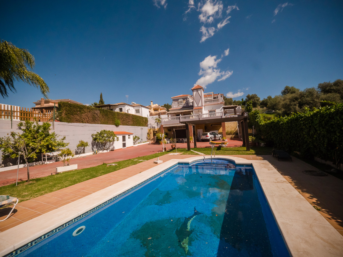 8 bedroom villa for sale mijas
