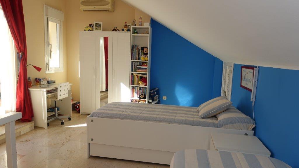 Unifamiliar 4 Dormitorios en Venta El Rosario