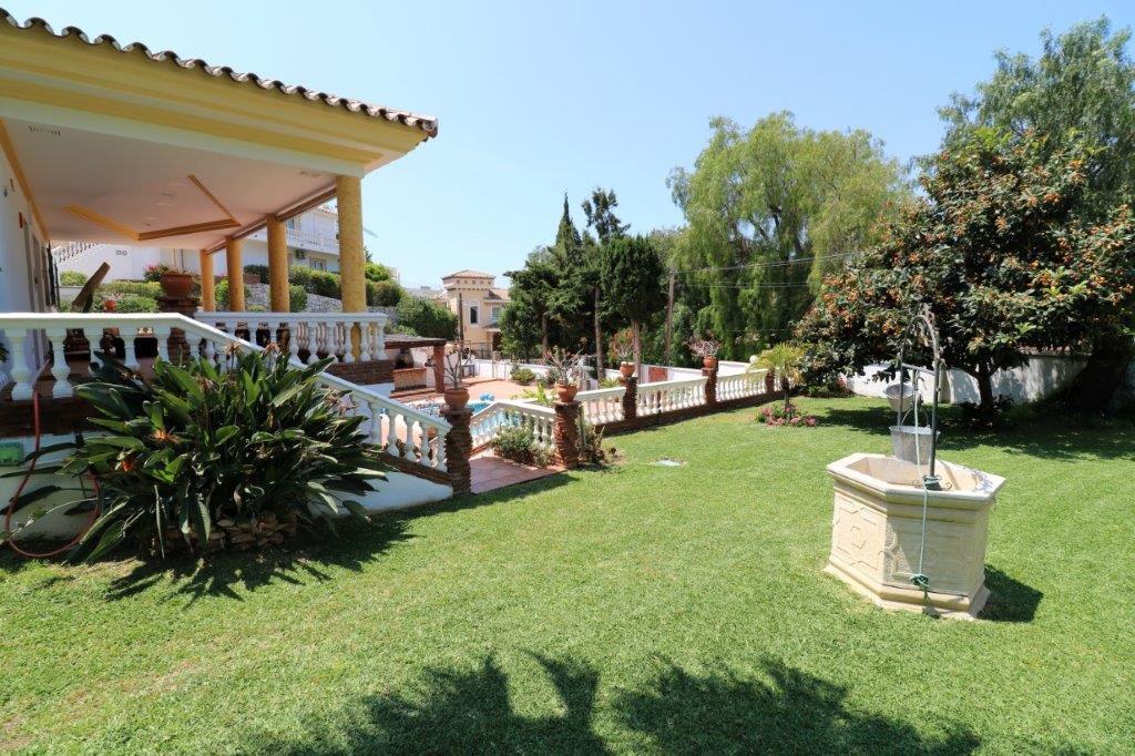 Detached villa in the area El Higueron, Benalmadena, located in an unbeatable environment. It has a ,Spain
