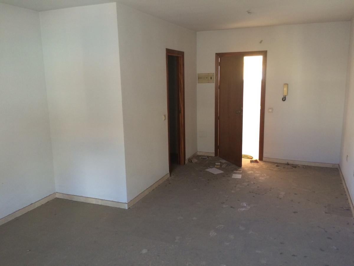 Oficina en cuarta planta en el centro de Fuengirola, todo ...