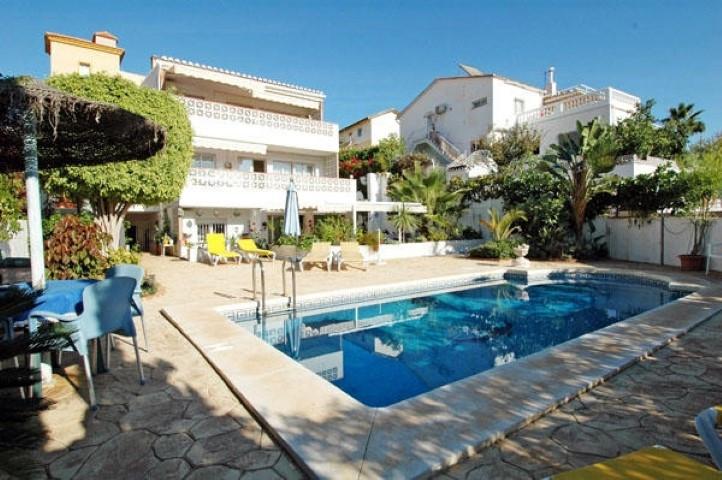 Detached Villa in Fuengirola R3258718