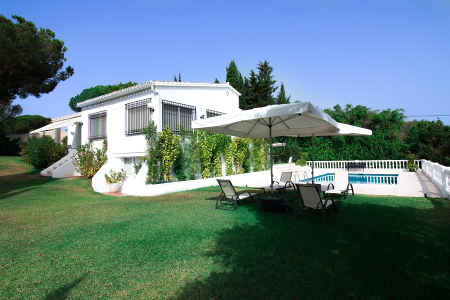 Villa 6 Dormitorios en Venta El Chaparral