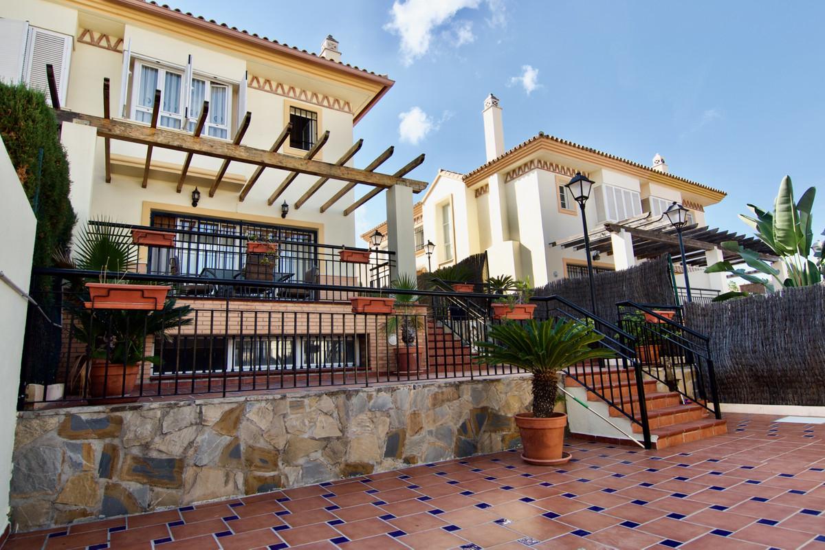 Semi-Detached House, Alhaurin de la Torre, Costa del Sol. 4 Bedrooms, 3 Bathrooms, Built 235 m², Ter,Spain