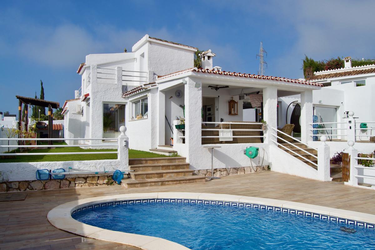 House in Arroyo de la Miel R3609701 1