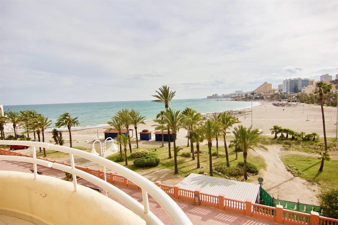 Penthouse, , Costa del Sol. 3 Bedrooms, 3 Bathrooms, Built 152 m², Terrace 40 m².  Setting : Close T,Spain