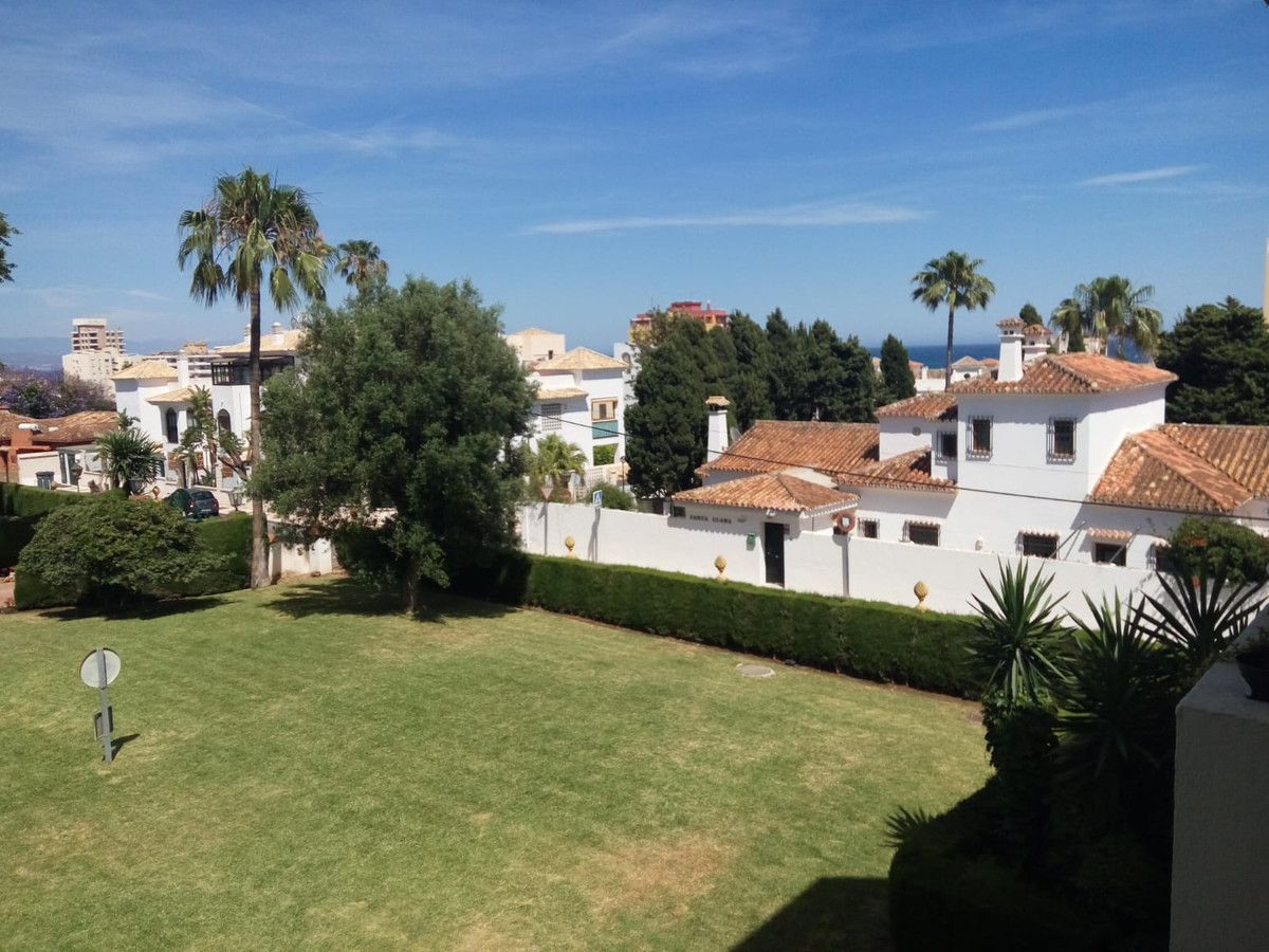 Middle Floor Apartment, Montemar, Costa del Sol. 2 Bedrooms, 1 Bathroom, Built 100 m², Terrace 20 m²,Spain