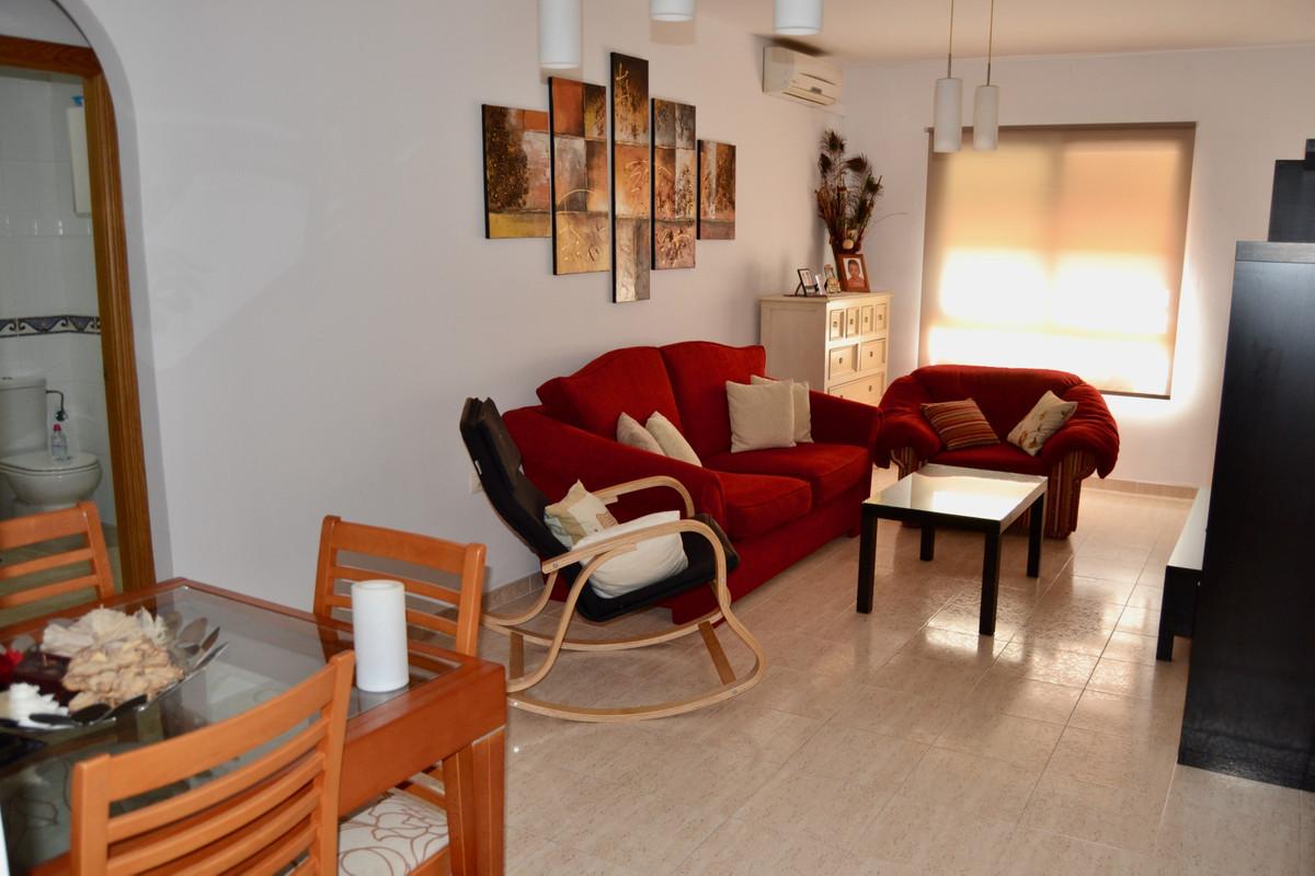 Apartment in Alhaurín de la Torre R3610370 3