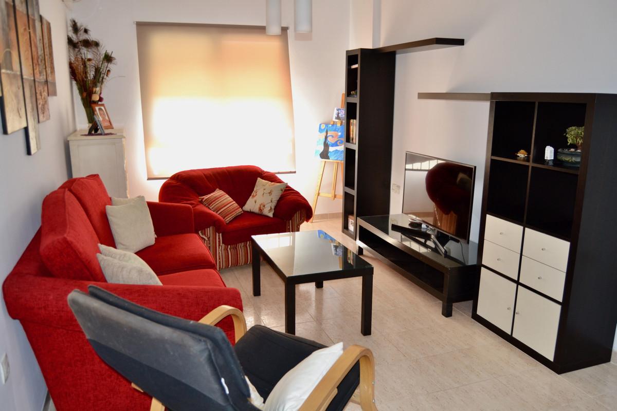 Apartment in Alhaurín de la Torre R3610370 4
