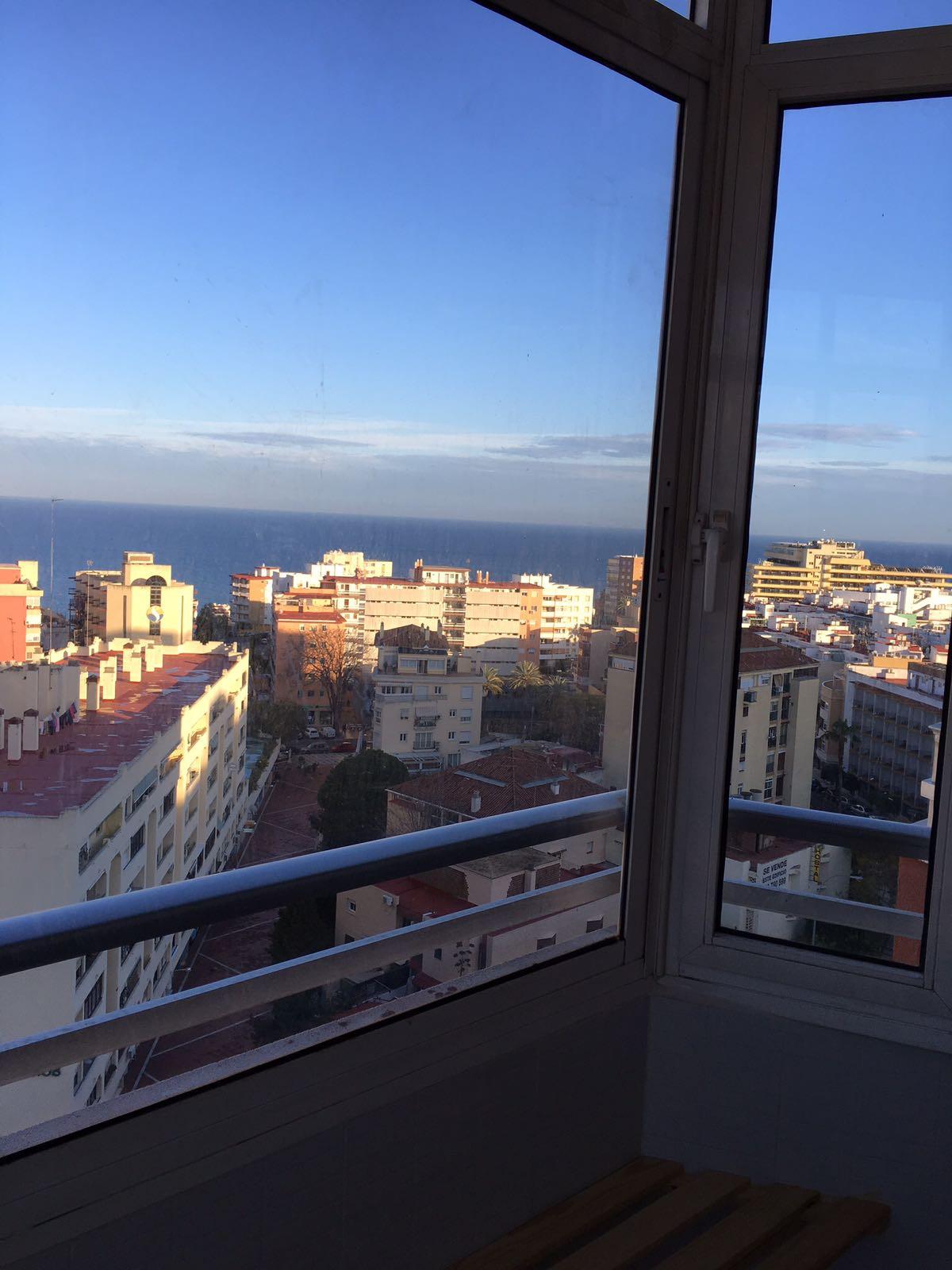 Top Floor Apartment, Torremolinos Centro, Costa del Sol. Built 43 m².  Setting : Commercial Area, Cl,Spain