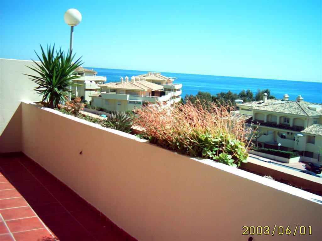 Middle Floor Apartment, Torrequebrada, Costa del Sol. 1 Bedroom, 1 Bathroom, Built 72 m², Terrace 18,Spain
