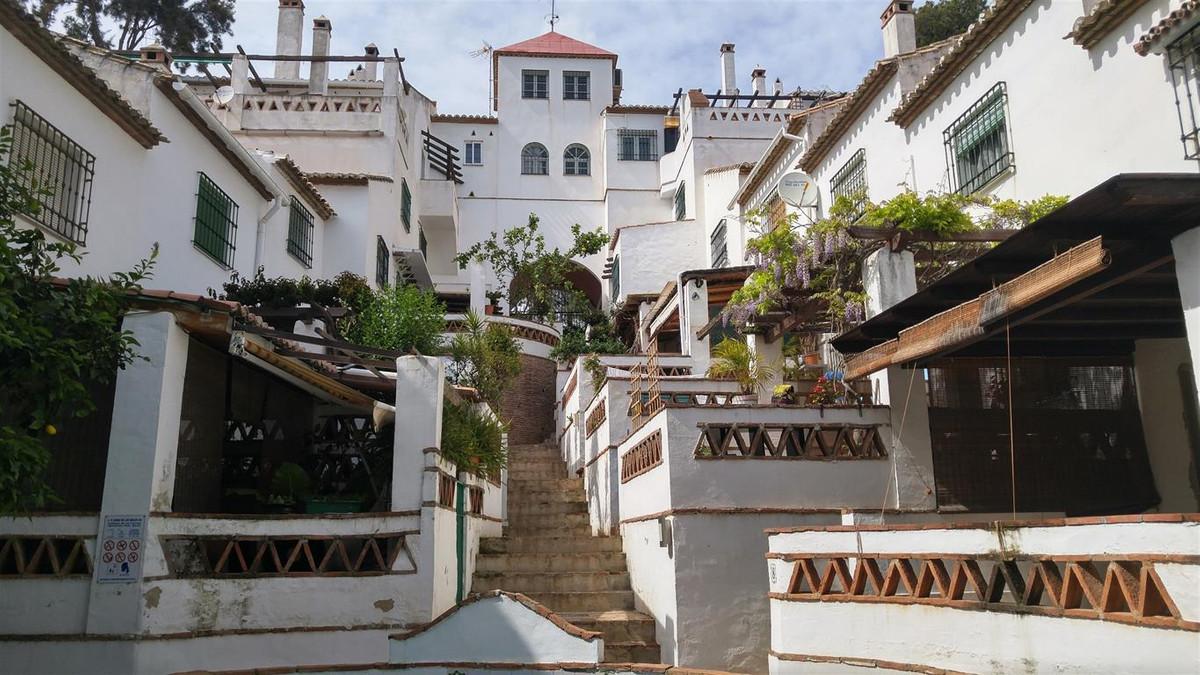 Unifamiliar 3 Dormitorios en Venta Torremolinos
