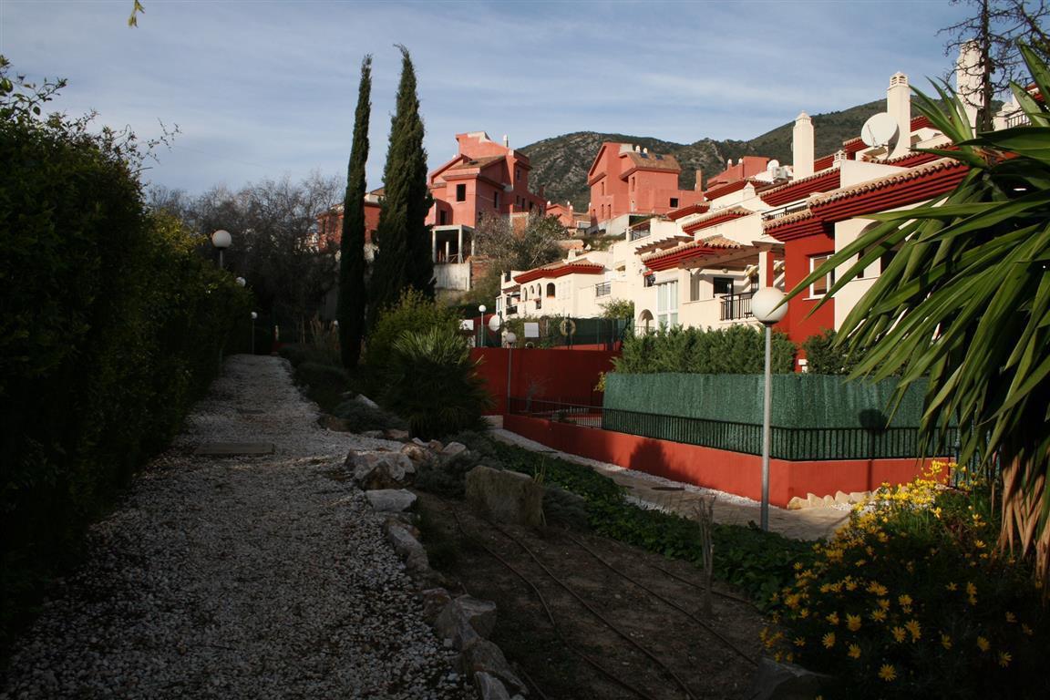 Middle Floor Apartment, Benalmadena Pueblo, Costa del Sol. 2 Bedrooms, 2 Bathrooms, Built 60 m², Ter,Spain