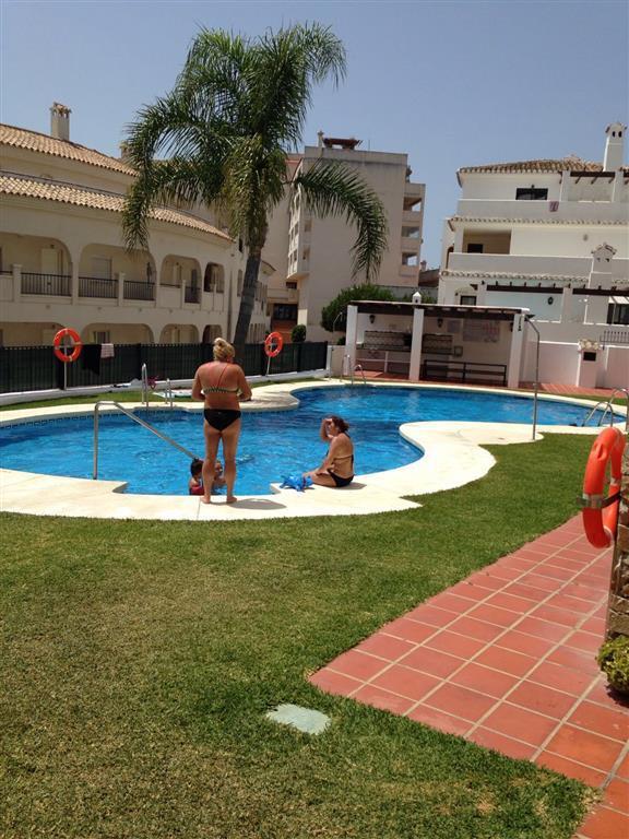 Lägenhet på mellanplan i Torrequebrada R2673959