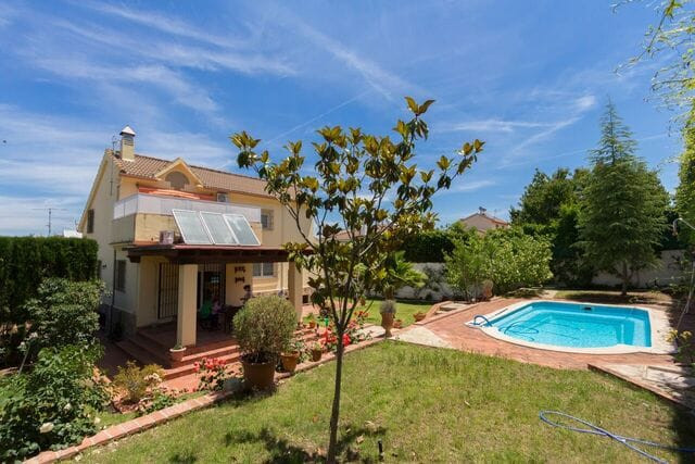 Detached Villa, Antequera, Costa del Sol. 4 Bedrooms, 2 Bathrooms, Built 300 m².  Setting : Country,,Spain